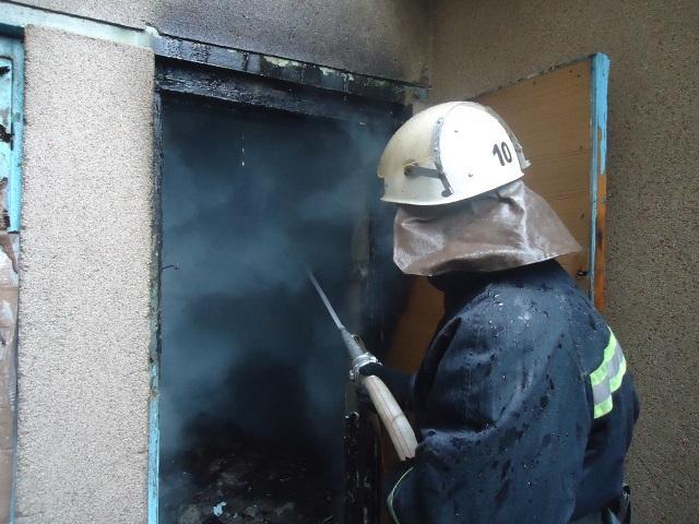 Пожар на кондитерской фабрике тушили 12 машин. (Фото+видео)