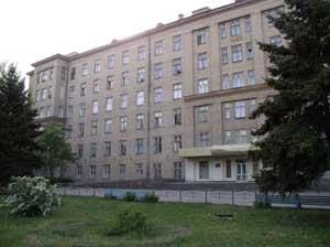 Врачи больницы им. Лучанского кормят за свой счет семью из-под Луганска