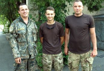 Попали в засаду и спасли раненого: в Житомире ветераны АТО и британские инструктора показали свое умение министру обороны Великобритании - Цензор.НЕТ 8412